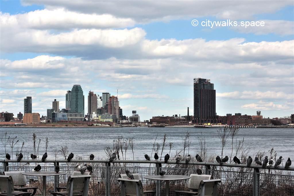Le long de l'East River, Manhattan